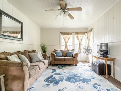 Photo for ♡GREAT LOCATION, COZY, SLEEPS 6, WITH AC  & TV IN ROOMS♡