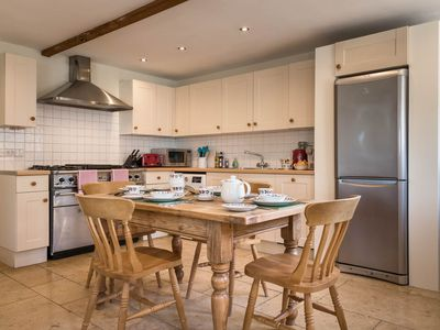 Photo for Luxury 2 bed Cotswold cottage at New Yatt Farm