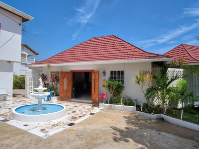 Photo for Family friendly Villa incl. full staff & pool with 180 degree views.