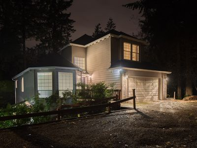 Photo for 9 BEDS/4 BATH/7 BEDROOM SW PORTLAND MODERN HILLSIDE HOME