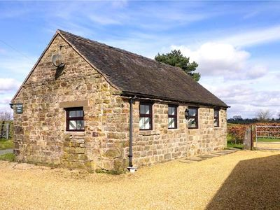 Photo for SWALLOW COTTAGE, pet friendly, with a garden in Winkhill, Ref 921495
