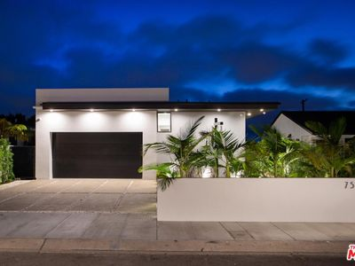 Photo for INCREDIBLE MODERN LUXURY NEAR THE BEACH