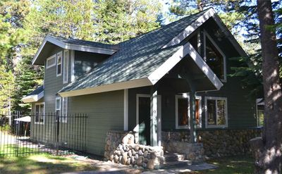 Photo for 957 Tata: 2 BR / 2 BA cottage in South Lake Tahoe, Sleeps 6
