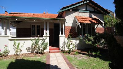Photo for Family house, Nedlands. Walk to University, QE11, KingsPark, River ,Restaurants