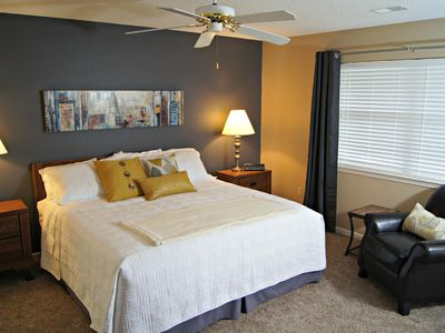 Photo for Carrie's Condo Near The Strip, 2 Kings, WIFI, In/Out Pools and More, ( Foothills C-20 )