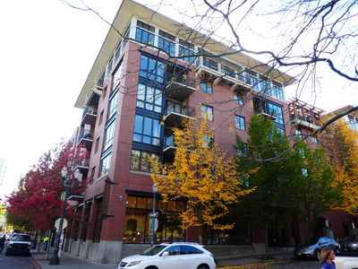 Photo for Beautiful NW Portland Tanner Place Condo