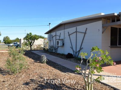 Photo for 5 Page Street - Private and shady entertaining area