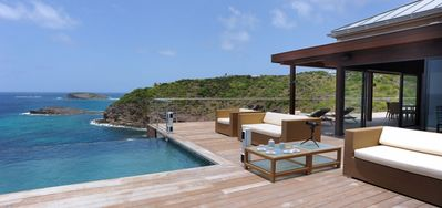 Villa Seascape  -  Ocean Front - Located in  Wonderful Pointe Milou with Private Pool