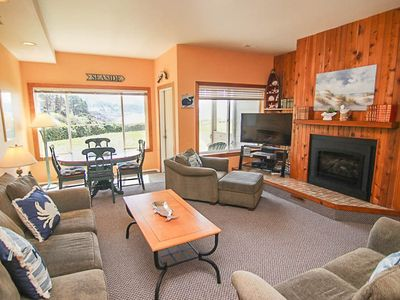 Photo for OCEANFRONT Condo Steps from the Best Restaurants and Shops in Depoe Bay!