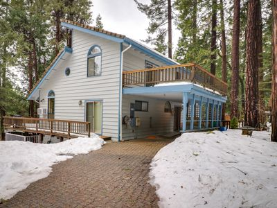 Photo for Cabin w/ game room plus shared pool, sports courts, private lake, & more!