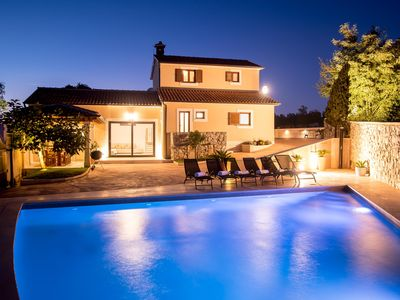 Photo for 50sqm private pool, large garden, family friendly, each room air conditioned