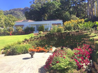 Photo for Luxury holiday cottage in Constantia wine valley only15 mn away from the beac