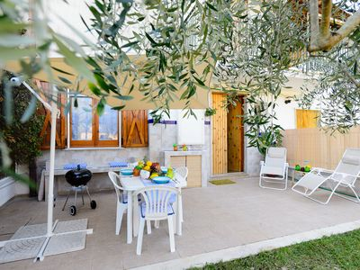 Photo for Villetta L'Ulivo, private garden, 10 minutes from seaside, accomodate 5, Wi-Fi