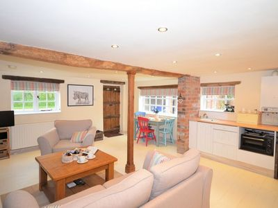 Photo for 1 bedroom Cottage in Pershore - REDCO