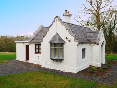 Photo for 2BR House Vacation Rental in Pentraeth