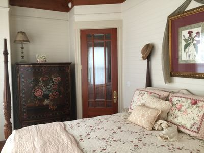 Vintage Rose Suite in the Historical Majestic Jewel of Apalachicola.