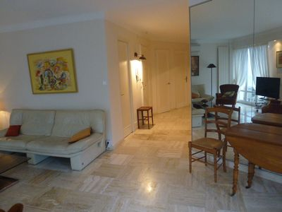 Photo for Spacious 2 Bedroom flat, 4 guests, Cannes centre. Close to all amenities.