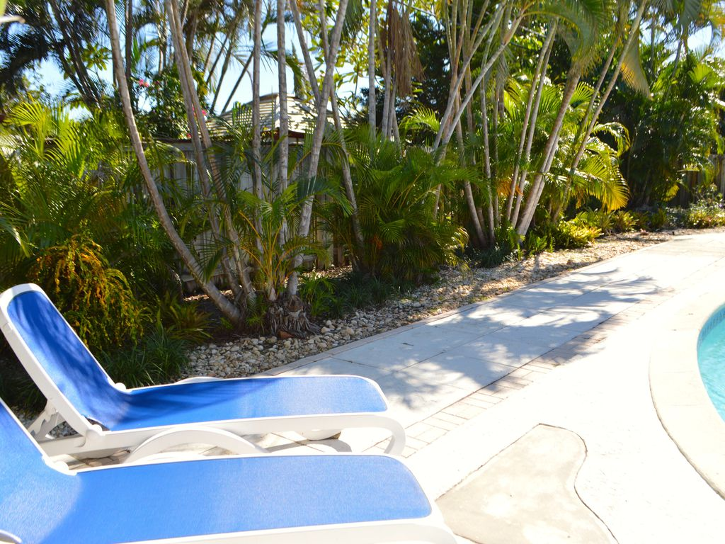 3 bedroom 2 bath tropical pool home 2 miles from the beach!