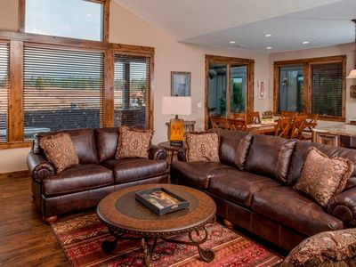 Families welcome at this cozy Caldera Springs Cabin, A/C and a private hot tub!