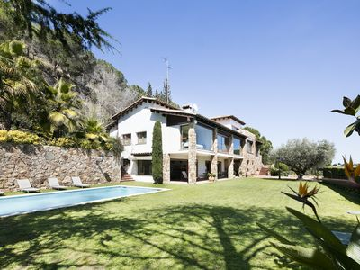 Photo for Luxury house with amazing sea view, swimming pool, only 20 min from Barcelona