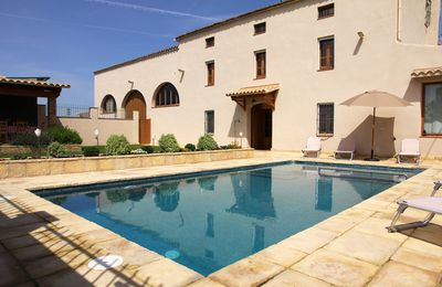 Photo for Spectacular house between vineyards less than 1 hour from Barcelona.