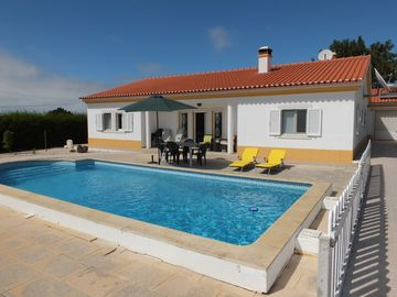 IMMACULATE SPACIOUS THREE BEDROOM VILLA WITH POOL