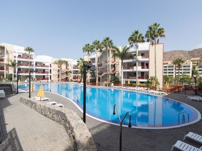 Photo for Nice apartment for 4 people with WIFI, pool and TV