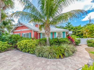 PEACH BELLINI: Adorable, Eye-popping Renovated Villa,Heated Pool, Close To Beach