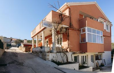 Photo for One bedroom apartment with air-conditioning Preko (Ugljan)