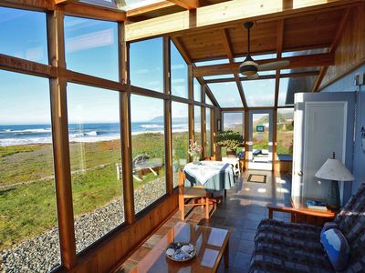 Photo for LAND'S END: on a beach w/private access. Hot tub, Fenced PET YARD. BOOK EARLY !