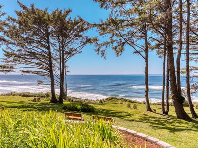 Photo for Romantic skylit studio with private deck and beautiful oceanfront views