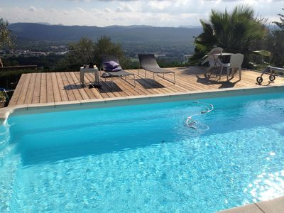 Photo for Villa with swimming pool, superb view, wooden pontoon, 3 min from the village (July-August)