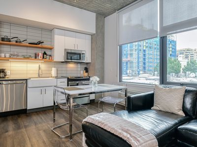Photo for Elegant 1BD condo with sun-filled atmospheres, self-checkin