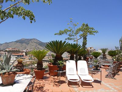 Photo for One bedroom Apartment, sleeps 2 in Palermo with Air Con and WiFi