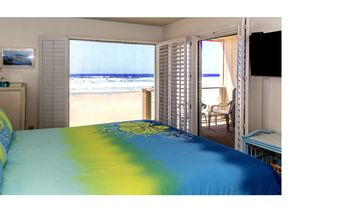 .. GORGEOUS OCEAN FRONT CONDO W/PRIVATE BALCONY,  RIGHT ON THE BEACH