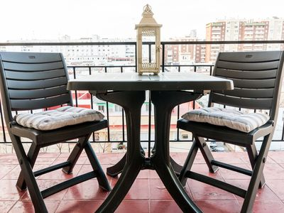Photo for [744] Three bedroom apartment with terrace, right next to Seville fair ground