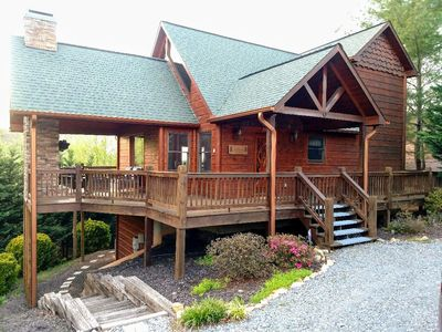 Photo for Spectacular Mountain Cabin with breathtaking views & 6 minutes to downtown!