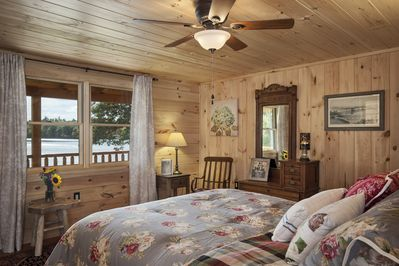 Master overlooking the Lake with an amazing view to wake up to & smart TV