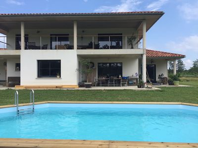 Photo for Beautiful villa with pool, 15 km from the beaches