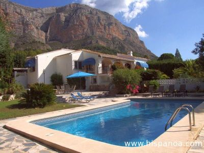 Photo for Air-conditioned villa with large private pool Costa Blanca