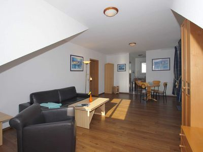 Photo for A 07: 55 m², 2-room, 4 pers., Balcony, H - F-1091 Villa Südstrand in the Baltic Sea resort of Göhren