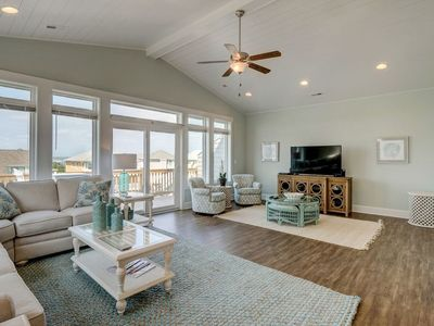 Photo for Channel Marker 11: 3BR, 2.5BA, Sleeps 6 - Queen's Grant, Topsail, Canalfront