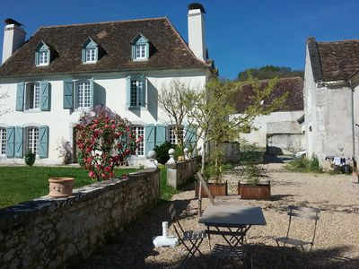 Photo for Between sea and mountains, charming cottage 5 minutes from Orthez 1