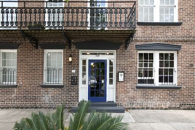 Welcome to 219 Abercorn Street