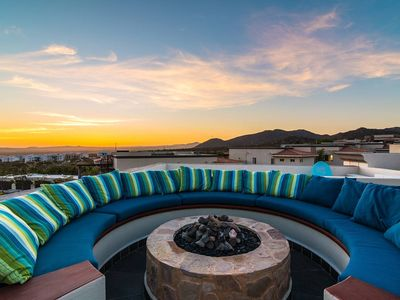 Photo for ⭐️ Spacious 4BR/3.5BA Villa+ Private Rooftop ! Great for Friends & Families ⭐️