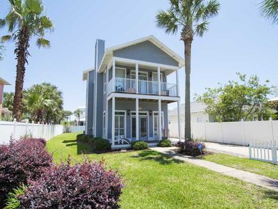 Photo for Lovely Destin Home with Private Patio~ Short Walk to Beach ~ Near Exciting Area Attractions
