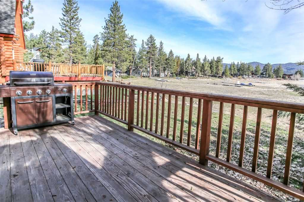 Monte bear lakefront lakefront cabin wifi and cozy for Big bear lakefront cabin rentals