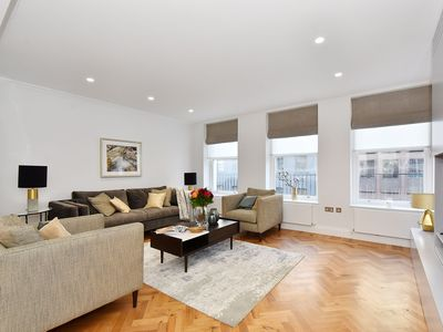 Photo for Plush Apartment in London near Piccadilly Circus and Chanel