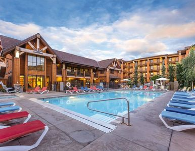 Photo for Chelan Lake House - 3 Bedroom Deluxe (July 6-8)