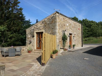 Photo for SUNNYBROOK COTTAGE, country holiday cottage in Waddington, Ref 957687